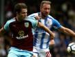 Burnley - Huddersfield: Con huyền thoại MU phung phí