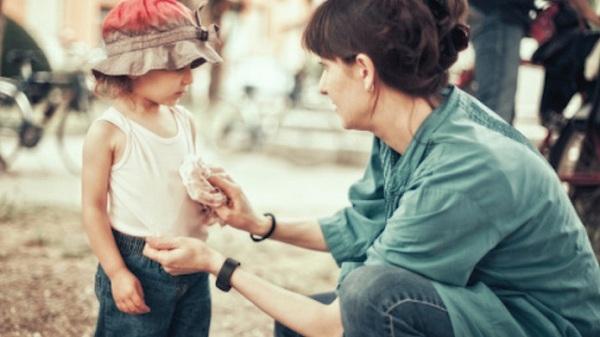 6 dấu hiệu chứng tỏ bạn quá can thiệp vào cuộc sống của trẻ - 1