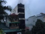 Tin tức trong ngày - HN: Cháy nhà 5 tầng lúc nửa đêm, hai chị em gái tử vong