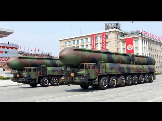 Ai làm cho tên lửa Triều Tiên gây choáng váng thế giới?