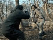 """Thành Long diễn sâu bất ngờ trong trailer mãn nhãn của """"Kẻ ngoại tộc"""""""