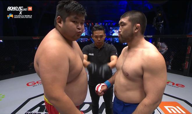 """MMA: Cả gan đấu đối thủ hơn 50kg, nhận cái kết """"đắng ngắt"""" - 1"""