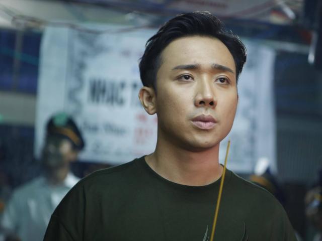 Trấn Thành thẫn thờ đến viếng nghệ sĩ hài Khánh Nam