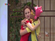 Phim - Những lần Trấn Thành cưỡng hôn, ôm ấp sao nữ trên sóng truyền hình