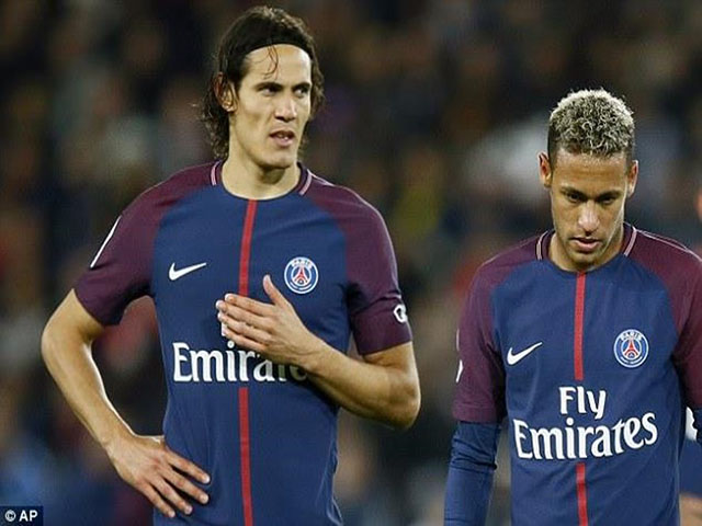"Cuộc chiến Neymar - Cavani: MU & Chelsea ""thả câu"", Arsenal gạ đổi Sanchez"