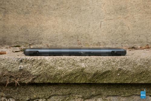 """Đánh giá Samsung Galaxy S8 Active: Bền hơn, pin """"khủng"""" hơn - 4"""