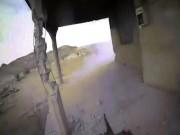Thế giới - Video khủng bố IS đang xả súng máy thì bị trúng lựu đạn