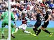"""West Ham - Swansea: """"Phát đạn"""" chí tử phút 90"""