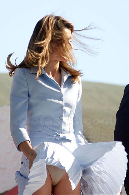 """Miranda Kerr bị lộ vị trí """"nhạy cảm"""" - 13"""
