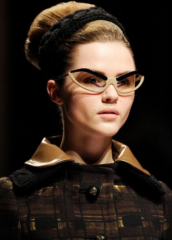 Sành điệu với xu hướng kính mắt mèo, Thời trang, Kinh thoi trang, kinh mat, kinh can, xu huong thoi trang, thap nien 50