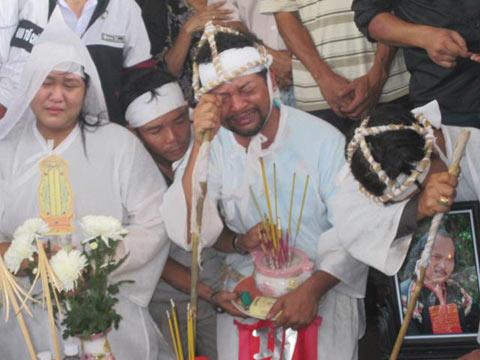 Lễ tang NSND Y Moan đẫm nước mắt - 15