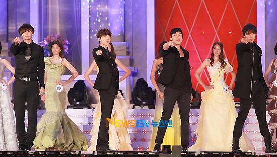 Lộ diện siêu mẫu Vàng Hàn Quốc 2010 - 9