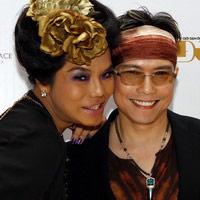 """Cindy Thái Tài """"tình tứ"""" bên Jimmi Nguyễn"""