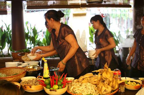 Quán ăn ngon 18 Phan Bội Châu - lạ mà quen - 2