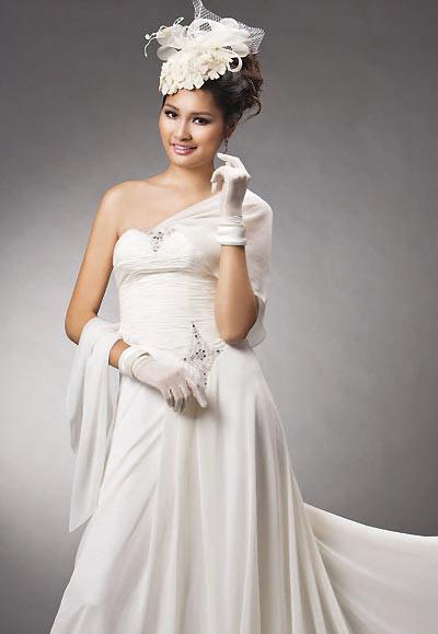 Tư vấn: Chọn váy cưới cho cô dâu nhỏ xinh - 2