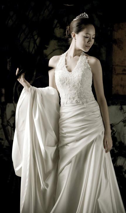 Tư vấn: Chọn váy cưới cho cô dâu nhỏ xinh - 7