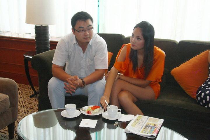 Tin nóng: Hé lộ chân dung chồng Hương Giang? - 5