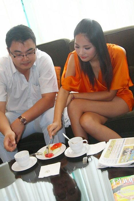 Tin nóng: Hé lộ chân dung chồng Hương Giang? - 6
