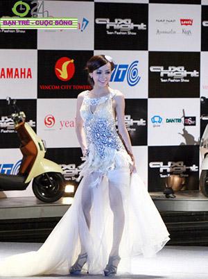 Miss Teen 2010 rạng rỡ trong đêm Cuxi night - 9