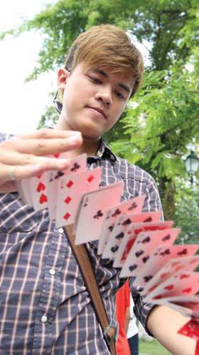 Giới trẻ với thế giới ảo thuật đường phố - 1