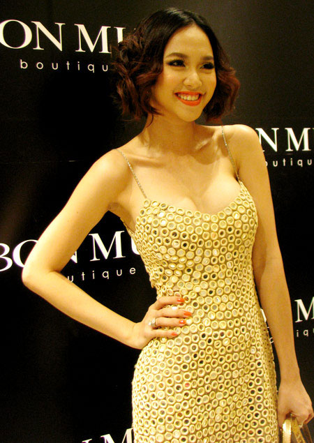 Mỹ nhân Việt sexy với màu Nude - 3