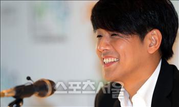 """Ryu Shi Won """"giấu mặt"""" vị hôn thê - 2"""