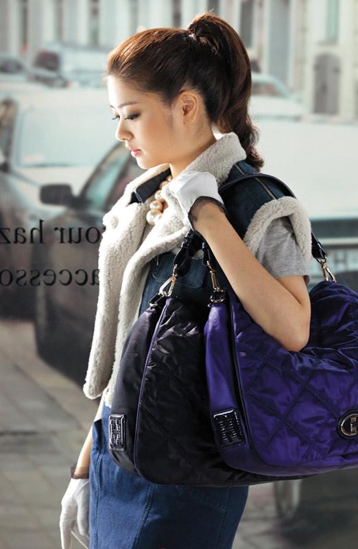 Chọn túi xách kiêu kỳ như Sao Hàn - 1