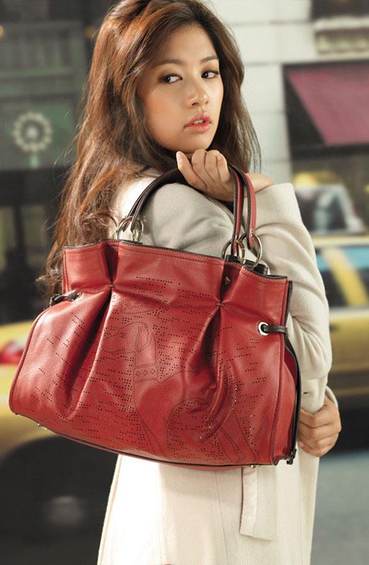 Chọn túi xách kiêu kỳ như Sao Hàn - 9