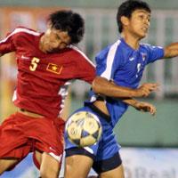 U19 Việt Nam chơi thô bạo: Buồn!