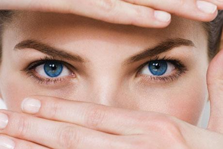 Chăm sóc đôi mắt để đẹp mãi - 1