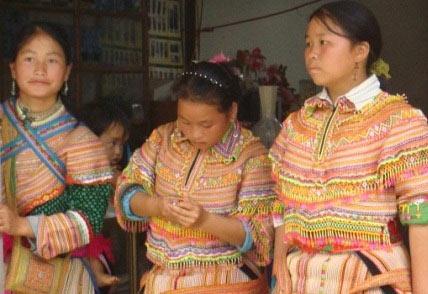 Hàng trăm phụ nữ Mông mất tích - 1
