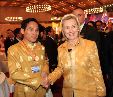 Thời trang Thái Tuấn tại Gala Dinner Hội nghị Cấp cao Asean 17 - 6