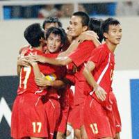 Việt Nam cho cá cược bóng đá: Lợi trăm đường?