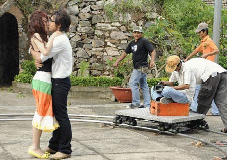 Sao Việt và những nụ hôn nóng bỏng - 10