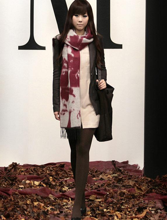 10 cách thắt khăn thời trang mùa đông - 22