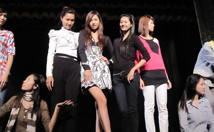 """Bật mí """"độc"""" về show thời trang Pháp - Việt - 11"""
