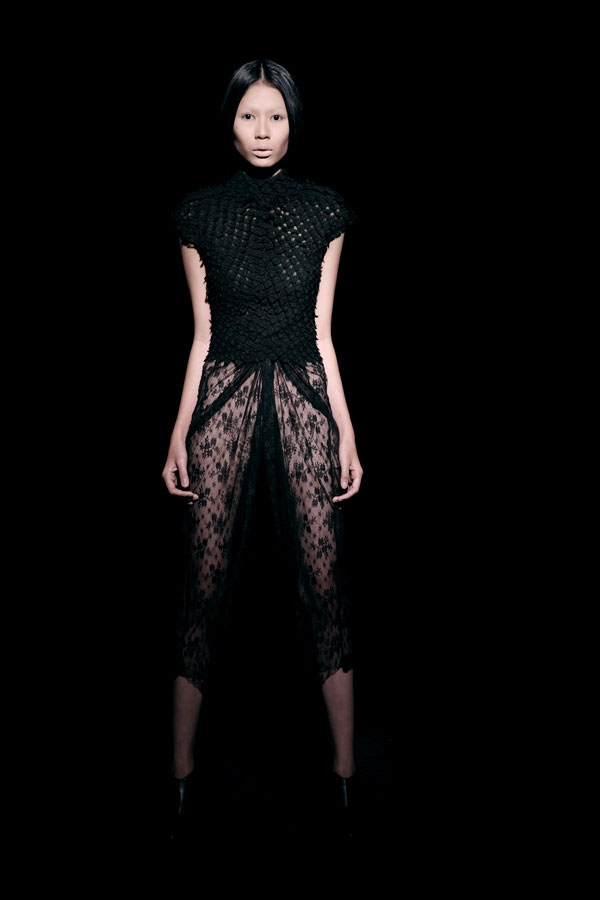 Váy ren đen gợi cảm cho phụ nữ châu Á - 6