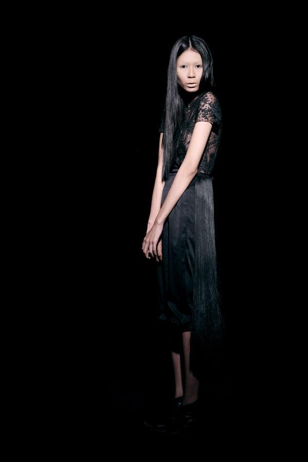 Váy ren đen gợi cảm cho phụ nữ châu Á - 7