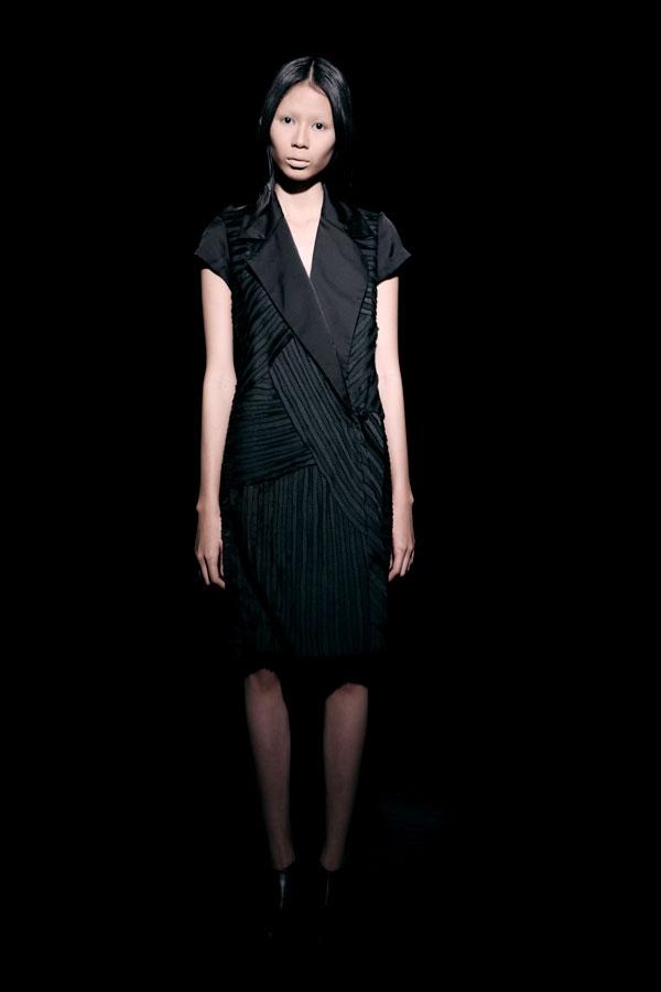 Váy ren đen gợi cảm cho phụ nữ châu Á - 11