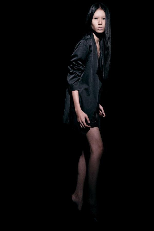 Váy ren đen gợi cảm cho phụ nữ châu Á - 12