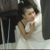 """Video: Nhắng với """"chân dài"""" phía sau sàn catwalk"""