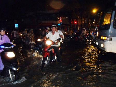 TP.HCM: Sống chung với ngập lụt - 3