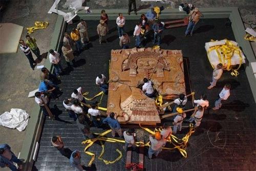 Lật mở bí ẩn hầm mộ người Aztec - 2