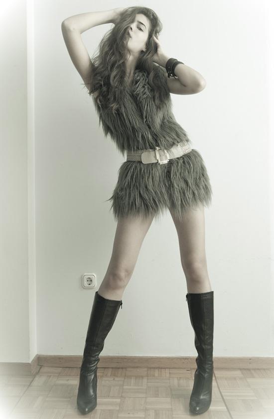 Mặc đẹp với áo lông thú - 11