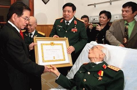 Chuyện khám bệnh cho lãnh đạo cao cấp Việt Nam - 1