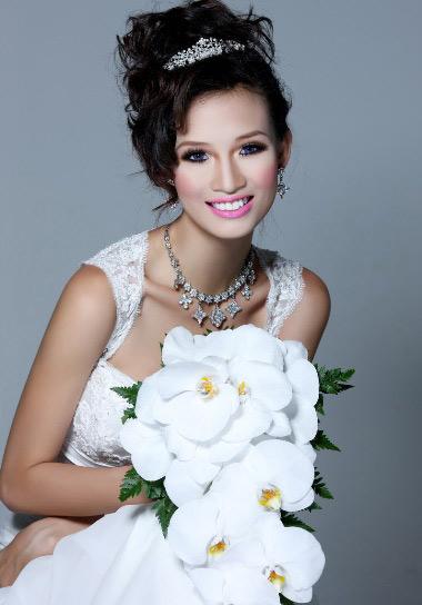Video làm đẹp: Phong cách trang điểm nhẹ cho cô dâu - 1