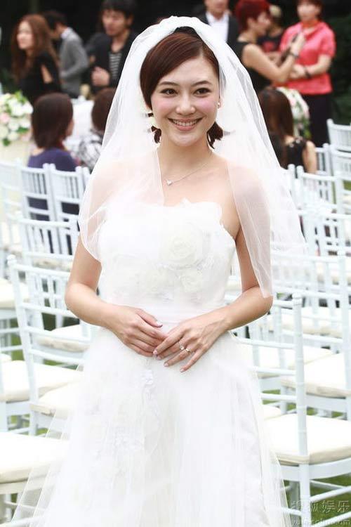 Trần Tiểu Xuân làm đám cưới lần 3 - 4