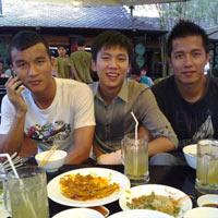 Chuyện ăn chơi của cầu thủ Việt (kỳ 1): Khi cầu thủ là đại gia