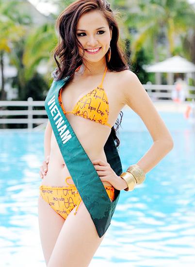 """Diễm Hương """"nghèo"""" bikini? - 1"""