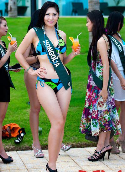 """Diễm Hương """"nghèo"""" bikini? - 5"""